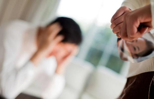 Vụ kiện cân não đầu năm mới: Vừa mang thai sau khi kết hôn chưa lâu, vợ ngã ngửa vì biết chồng mắc bệnh AIDS từ nhiều năm trước - Ảnh 3.