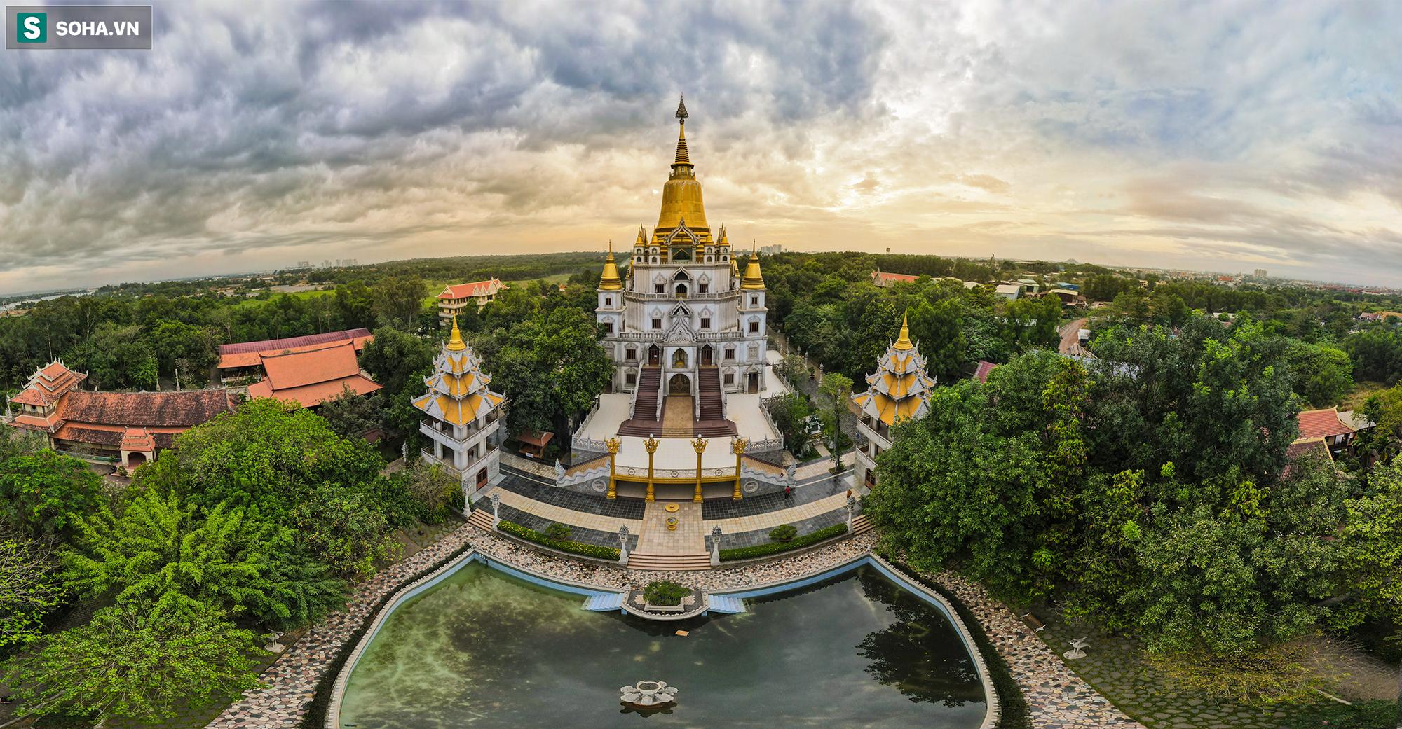 [Ảnh] Ngắm vẻ đẹp huyền bí của ngôi chùa lọt top đẹp nhất thế giới tọa lạc tại TP.Thủ Đức - Ảnh 1.