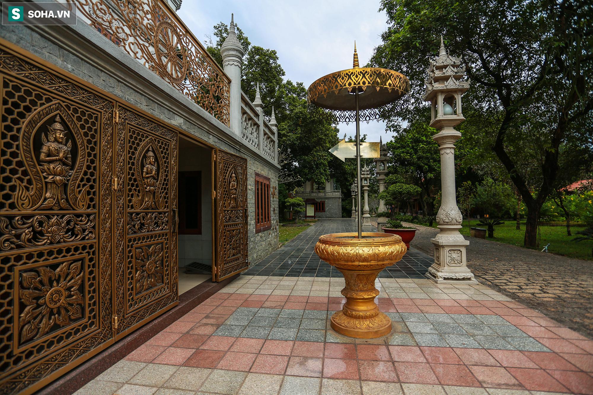 [Ảnh] Ngắm vẻ đẹp huyền bí của ngôi chùa lọt top đẹp nhất thế giới tọa lạc tại TP.Thủ Đức - Ảnh 7.