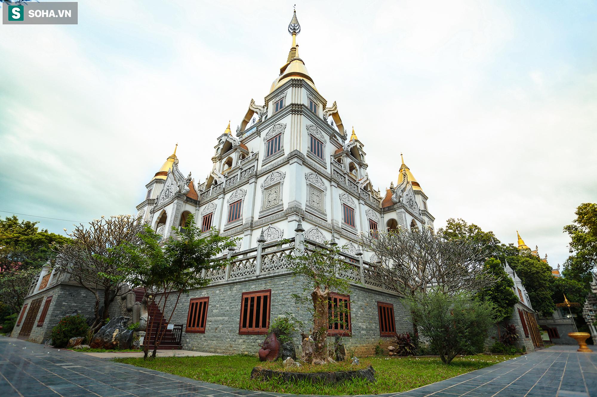 [Ảnh] Ngắm vẻ đẹp huyền bí của ngôi chùa lọt top đẹp nhất thế giới tọa lạc tại TP.Thủ Đức - Ảnh 9.