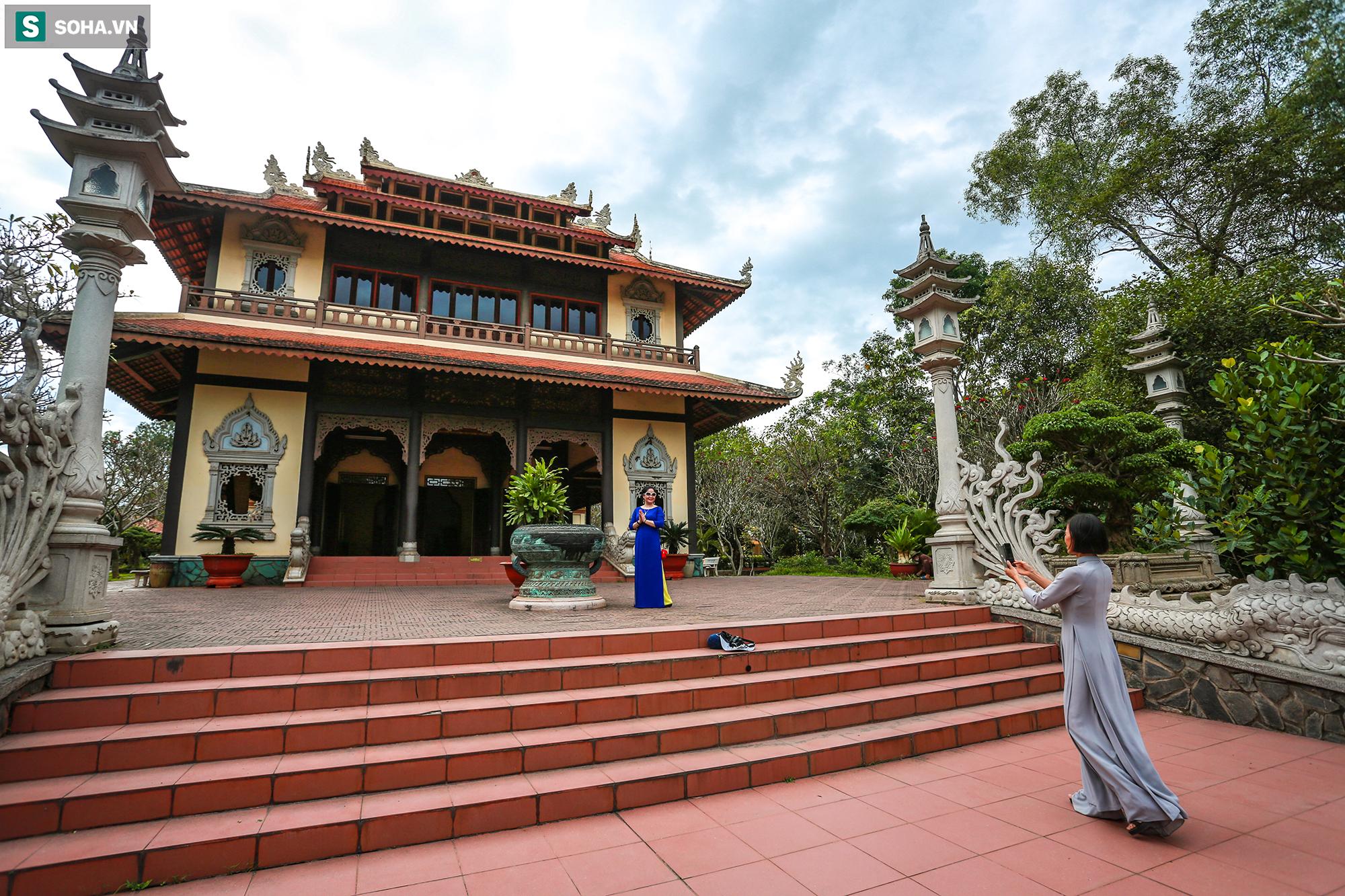 [Ảnh] Ngắm vẻ đẹp huyền bí của ngôi chùa lọt top đẹp nhất thế giới tọa lạc tại TP.Thủ Đức - Ảnh 17.