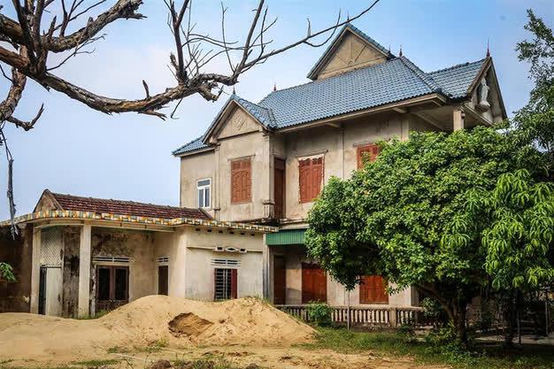 Xót xa với cảnh hoang tàn, ảm đạm của những làng, xã từng giàu nhất Việt Nam - Ảnh 2.