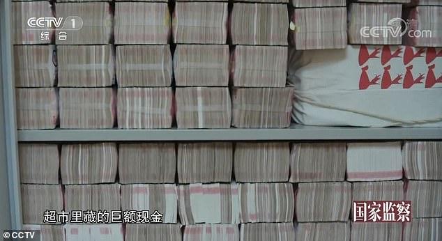Choáng với 3 tấn tiền chất như núi trong nhà quan tham Trung Quốc - Ảnh 3.