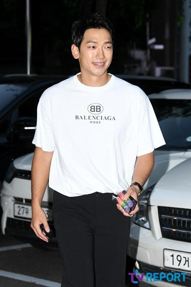 Đặt 2 cặp đôi đẳng cấp nhất Kbiz lên bàn cân: Son Ye Jin - Hyun Bin bị Kim Tae Hee - Bi Rain bỏ xa về tài sản nhưng lại hơn ở điểm này - Ảnh 29.