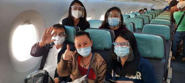Chuyến bay cuối cùng của Á hậu Philippines: Thi hài nằm trong quan tài lạnh lẽo được đưa về quê nhà, tang lễ riêng tư đẫm nước mắt - Ảnh 5.