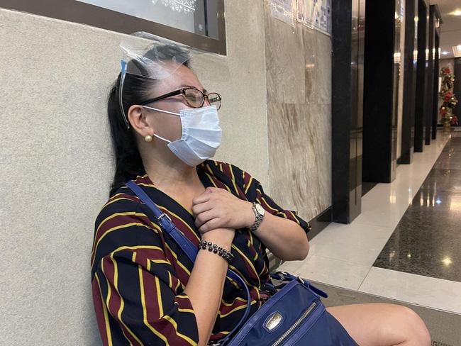 Chuyến bay cuối cùng của Á hậu Philippines: Thi hài nằm trong quan tài lạnh lẽo được đưa về quê nhà, tang lễ riêng tư đẫm nước mắt - Ảnh 7.