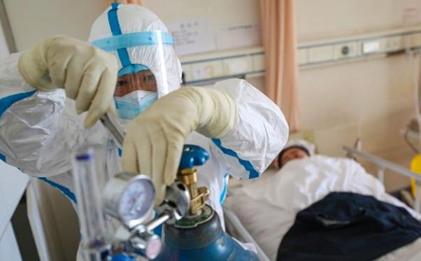 2 bệnh nhân mắc Covid-19 từ Mỹ về trở nặng, nguy kịch