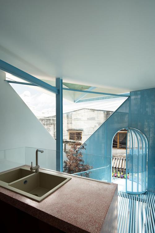 Mẹ Vĩnh Long xây nhà 140m2 cho con gái nghỉ trưa, tạo hình nhà trên cây độc đáo với sắc xanh hút hồn - Ảnh 4.