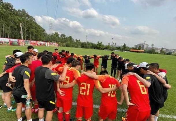 NÓNG: Phật lòng với nước chủ nhà, bóng đá Trung Quốc bất ngờ đâm đơn xin rút khỏi giải châu Á - Ảnh 1.
