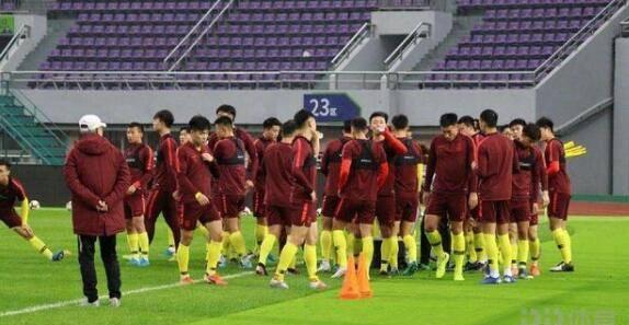NÓNG: Phật lòng với nước chủ nhà, bóng đá Trung Quốc bất ngờ đâm đơn xin rút khỏi giải châu Á - Ảnh 2.