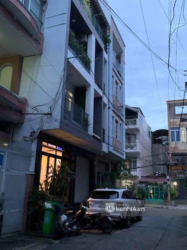 Ảnh độc quyền: Sau khi nhận toàn bộ tiền cát xê, tối 11/10 gia đình Hồ Văn Cường có còn ở nhà Phi Nhung? - Ảnh 2.