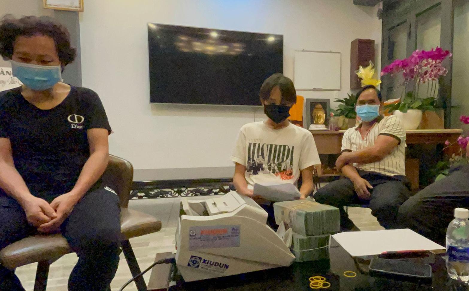 Nóng: Phía Phi Nhung trả tiền, tặng thêm 500 triệu cho Hồ Văn Cường