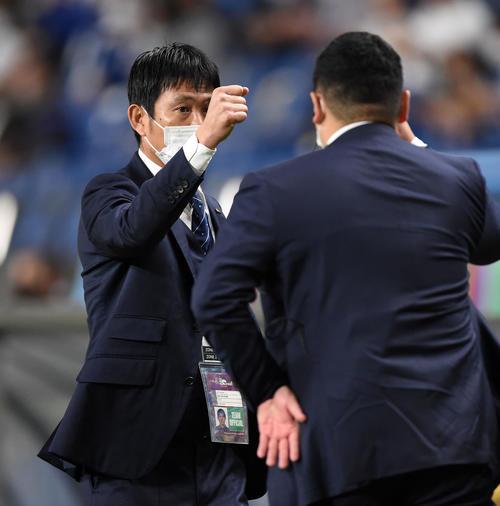 """HLV Nhật Bản """"đe dọa"""" ĐT Việt Nam, thừa nhận rơi lệ ở trận đấu nghẹt thở với Australia - Ảnh 1."""