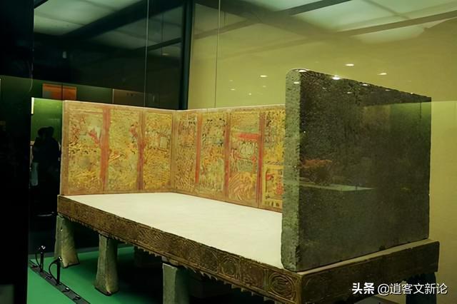 17 mảnh ván được đào từ mộ cổ và bị ném thẳng vào nhà kho, 28 năm sau, chuyên gia nhận định: Sai lầm không thể dung thứ - Ảnh 3.