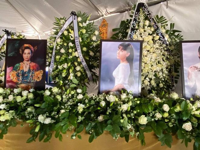 Việt Hương làm điều cực xúc động trong tang lễ Phi Nhung - Ảnh 6.