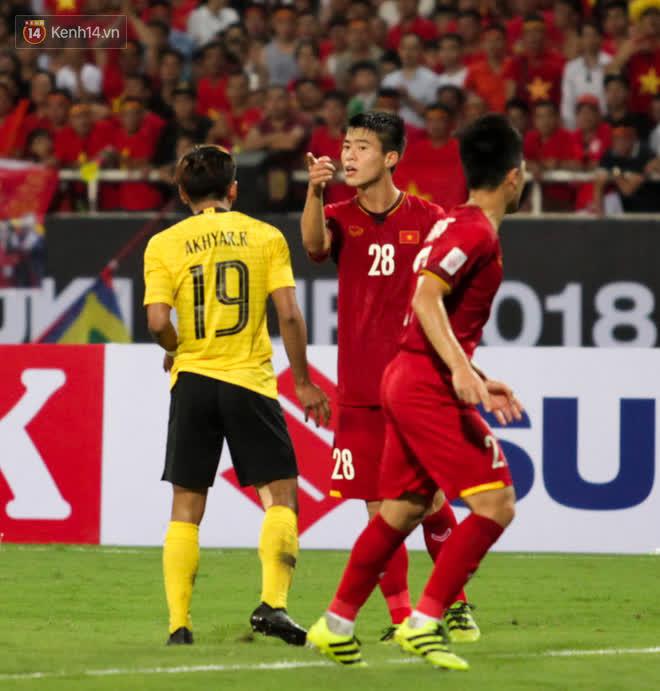 Màn hả hê sau cú đấm của Duy Mạnh năm nào & nhát dao đâm thủng ngực đội tuyển Việt Nam - Ảnh 2.