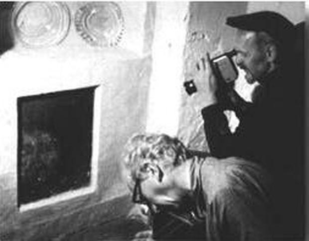 Xây nhà trên phần đất mộ tập thể của tử tù 700 năm trước, gia đình run cầm cập khi liên tục phát hiện cảnh rợn người, cứ xóa lại có - Ảnh 5.