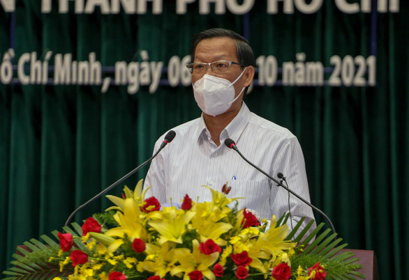 Hà Nội vẫn yêu cầu kết quả xét nghiệm sau hướng dẫn của Bộ Y tế.  Đến tháng 11, TP.HCM cũng chưa thể bình thường mới - Ảnh 1.