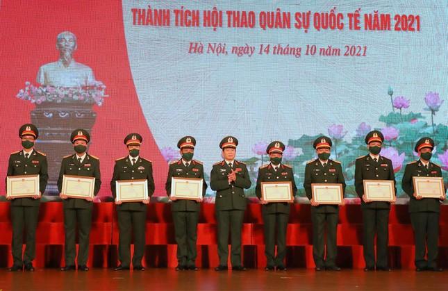 Bộ Quốc phòng tuyên dương tập thể, cá nhân xuất sắc tại Army Games 2021 - Ảnh 2.