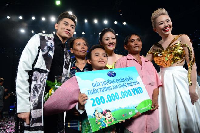 Khi các ca sĩ rời công ty quản lý của ba mẹ nuôi: Phương Mỹ Chi êm đẹp với Quang Lê, 2 người con nuôi của cố NS Phi Nhung đối lập hoàn toàn - Ảnh 21.
