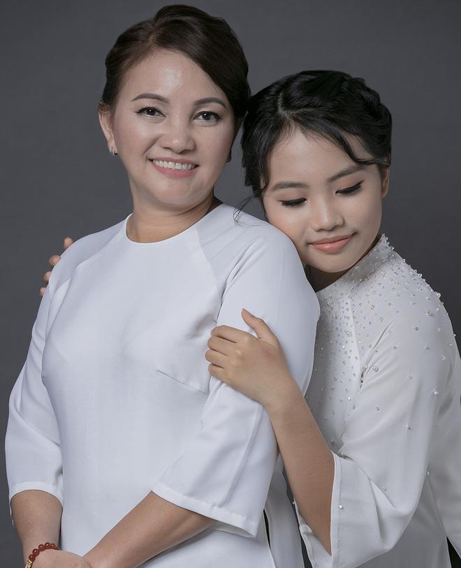 Khi các ca sĩ rời công ty quản lý của ba mẹ nuôi: Phương Mỹ Chi êm đẹp với Quang Lê, 2 người con nuôi của cố NS Phi Nhung đối lập hoàn toàn - Ảnh 8.