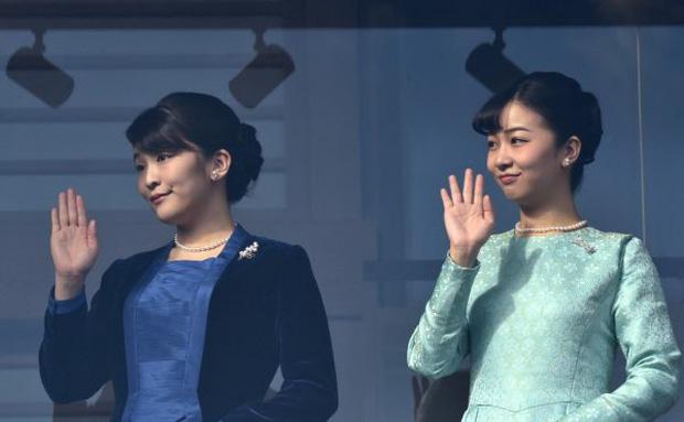 Công chúa Nhật khiến dân chúng buồn lòng vì cưới thường dân: Từng là viên ngọc quý được yêu mến giờ chỉ thấy gượng cười mỗi lần xuất hiện - Ảnh 14.