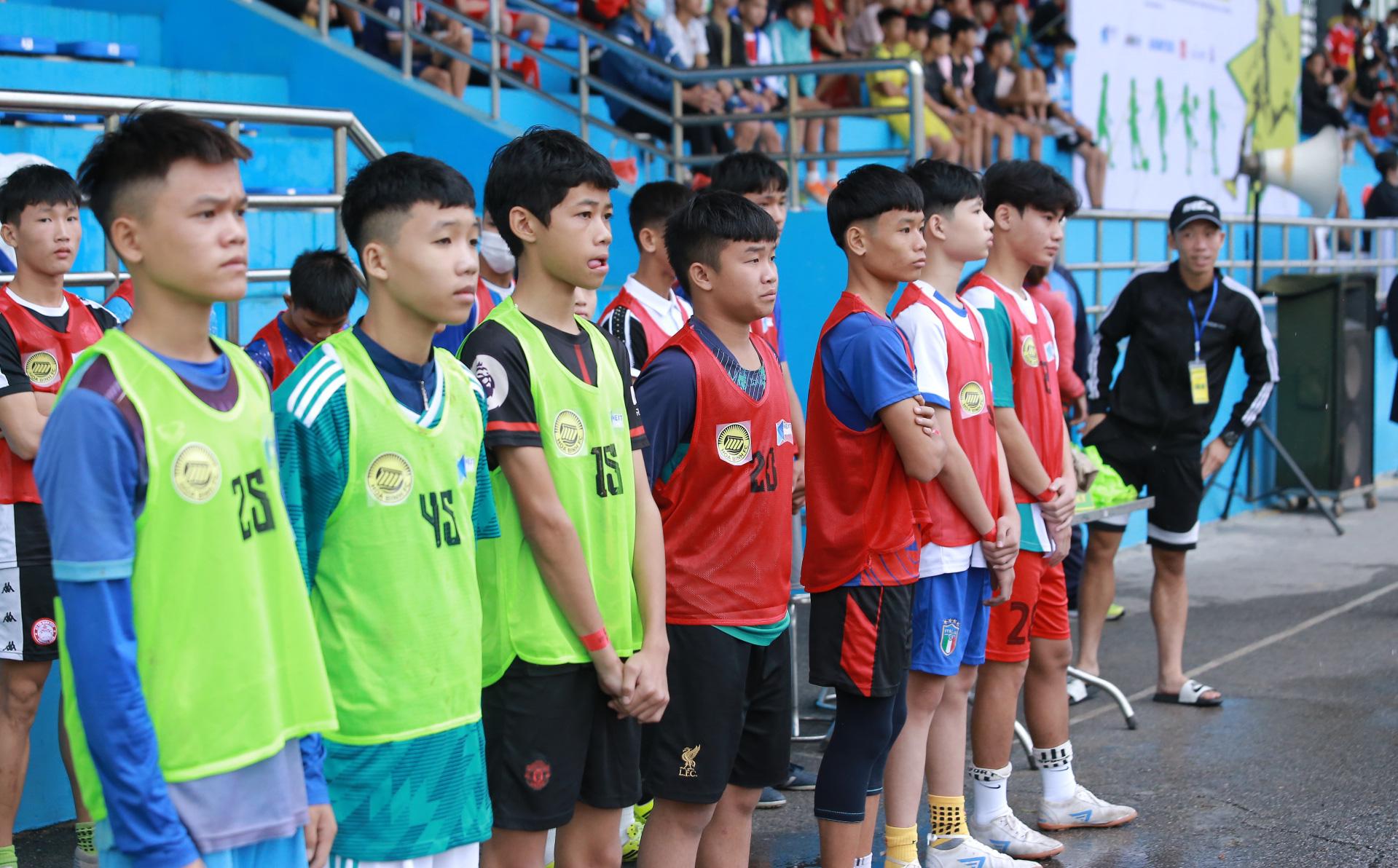 Thế lực mới có bước đi đáng khen, sẽ góp sức cùng HLV Park làm hùng mạnh bóng đá Việt?