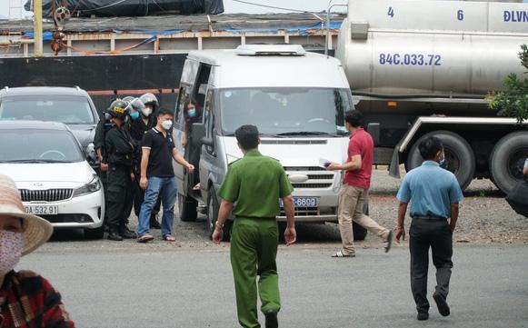 Khám xét công ty xăng dầu Hà Lộc, bắt giám đốc: Liên quan đường dây buôn lậu xăng giả
