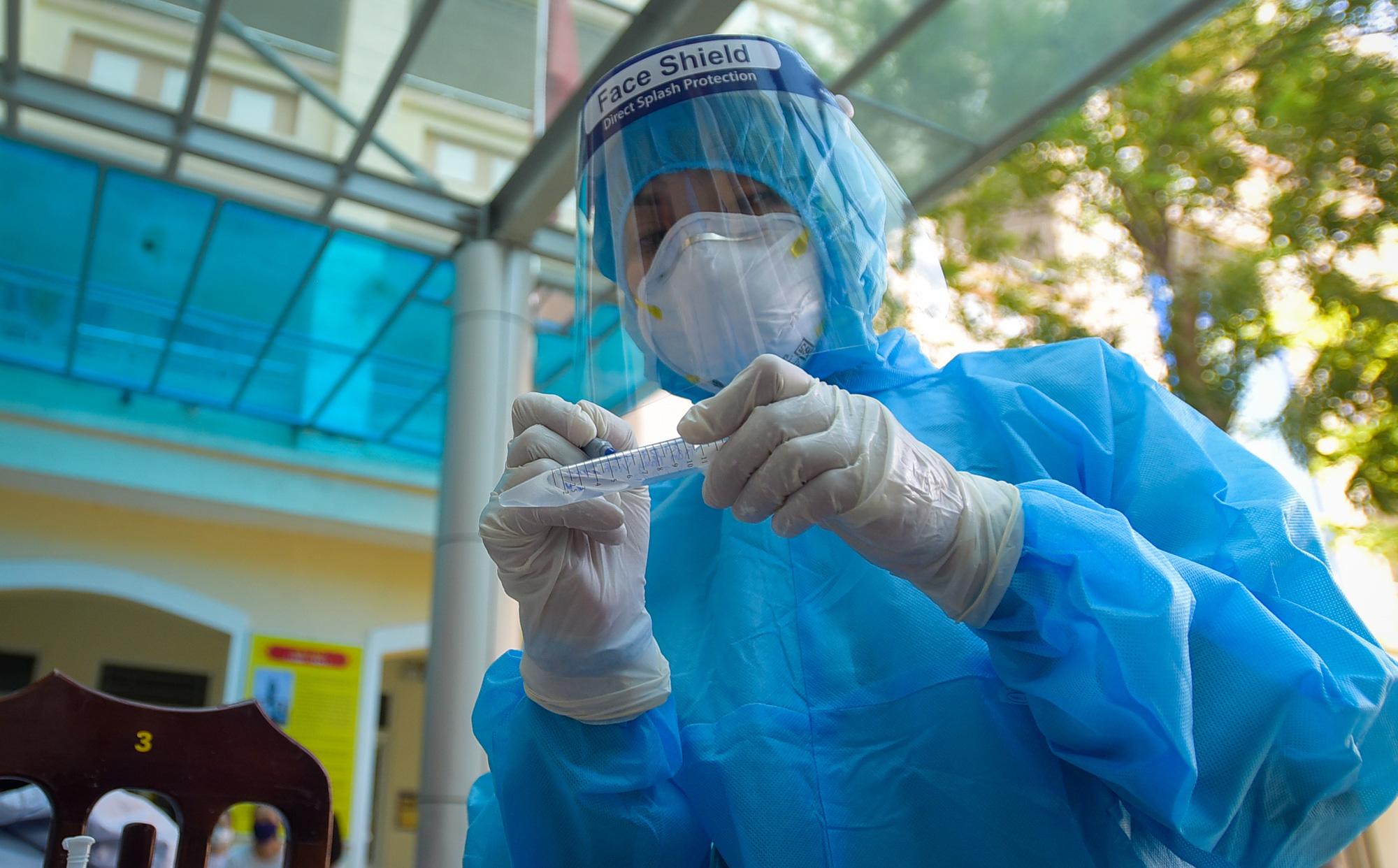 Ngày 21/10, cả nước có 3.636 ca mắc Covid-19 mới tại 50 tỉnh thành