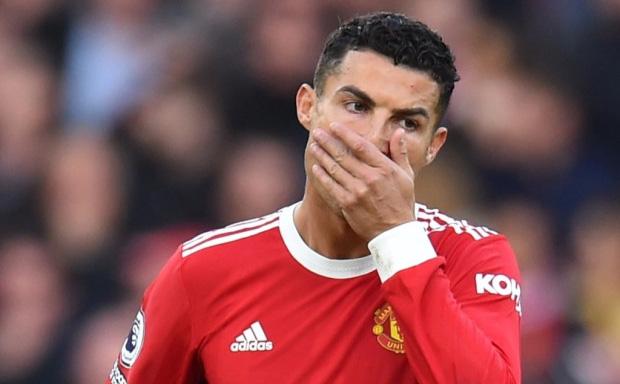 Sau trận đấu thảm họa, Ronaldo nhận thêm tin kém vui từ tòa án Bồ Đào Nha