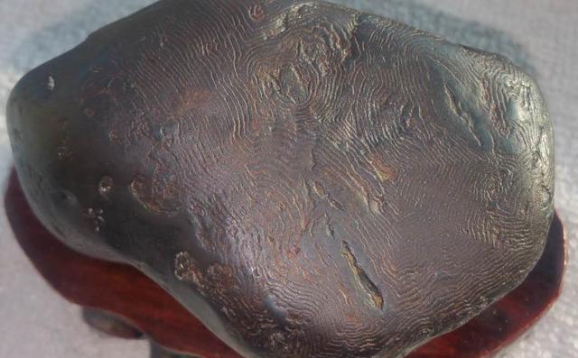 Đem vật lạ tìm thấy làm đá kỳ, bác nông dân mất 40 năm mới biết thứ đó giá 14 triệu/1gram