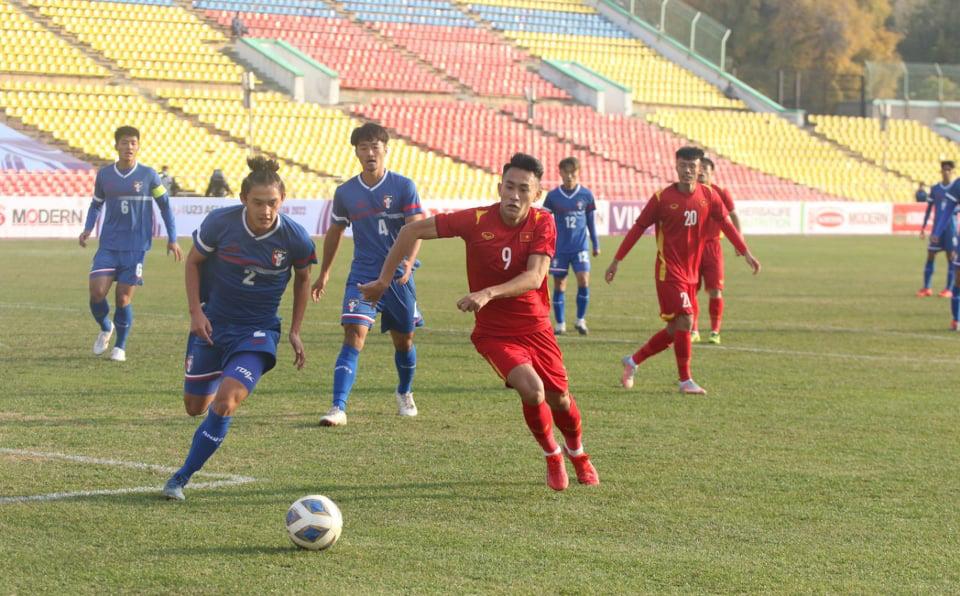 Giành chiến thắng thiếu thuyết phục, U23 Việt Nam vẫn nhận lời chúc mừng từ CĐV ĐNÁ
