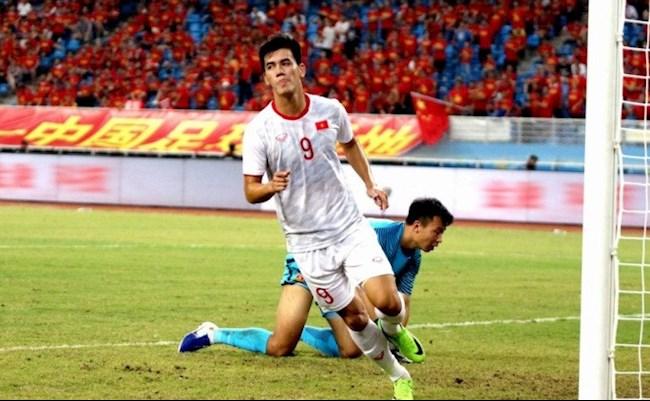 Nữ MC xinh đẹp dành tình cảm đặc biệt tới Văn Thanh, dự đoán sốc trận đấu của ĐT Việt Nam - Ảnh 4.