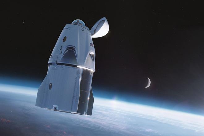 Tỷ phú chia sẻ ảnh chụp bằng iPhone 12 trên tàu của SpaceX: Thật ấn tượng khi một chiếc iPhone chụp được như thế này - Ảnh 2.