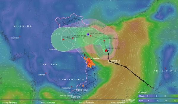 Biển Đông đón Bão số 7, miền Trung mưa tầm tã - Ảnh 1.
