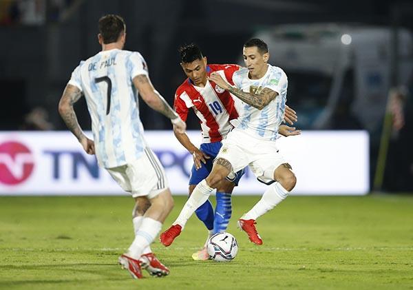 Paraguay 0-0 Argentina: Bất lực! - Ảnh 2.
