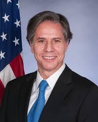 Ngoại trưởng Mỹ cảnh báo lạnh người - 2 siêu pháo đài bay B-52 Mỹ và 4 chiến đấu cơ áp sát Iran - Ảnh 1.