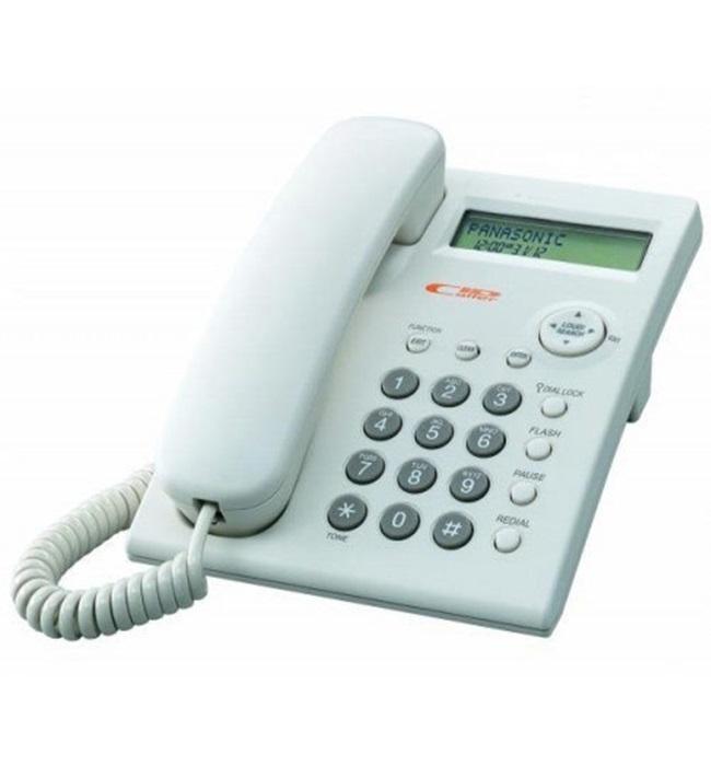 Kỳ lạ vòng cổ giống hệt dây điện thoại bàn, dân mạng choáng trước mức giá trên trời - Ảnh 3.
