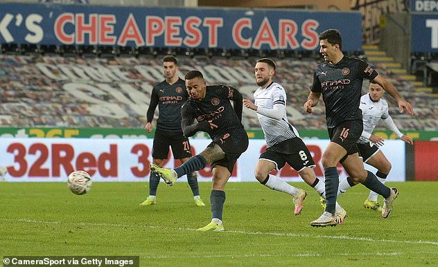 Messi cúi đầu rời sân, HLV Mourinho lại ôm trái đắng trong ngày Man City ca khúc khải hoàn - Ảnh 9.