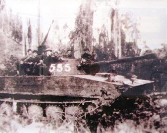 Chuyện đặc biệt ít biết về người Tiểu đoàn trưởng xe tăng Việt Nam đánh thắng trận đầu tiên lẫy lừng - Ảnh 3.