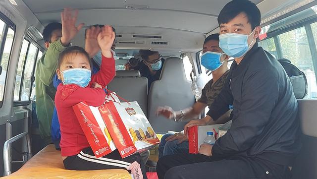 Thêm 22 bệnh nhân được công bố khỏi bệnh tại Chí Linh chiều 30 Tết - Ảnh 3.