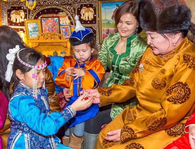 Không phải an khang thịnh vượng hay vạn sự như ý, đây mới là câu người Mông Cổ chúc nhau mỗi dịp Tết đến - Ảnh 5.