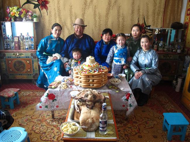 Không phải an khang thịnh vượng hay vạn sự như ý, đây mới là câu người Mông Cổ chúc nhau mỗi dịp Tết đến - Ảnh 6.
