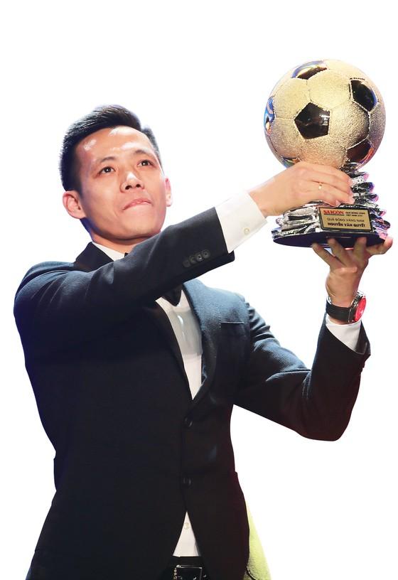 Giải thưởng Quả bóng vàng Việt Nam: Bản lĩnh vàng và những hồi ức đẹp - Ảnh 1.