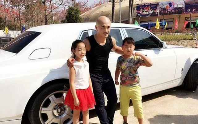 Top 5 tài phú làng võ Trung Quốc: Đệ nhất Thiếu Lâm xếp thứ nhì, hạng nhất là một tỉ phú - Ảnh 4.