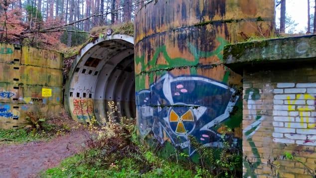 Thị trấn nghĩa địa  tên lửa hạt nhân ở Ba Lan - Ảnh 4.