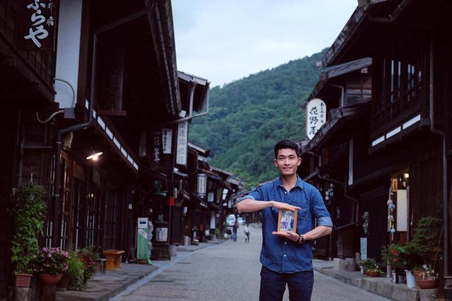 Chàng trai Việt mang di ảnh bố mẹ đi khắp nước Nhật lộ tài nấu nướng đẳng cấp: Đưa đồ ăn đơn giản lên '5 sao' - ảnh 2