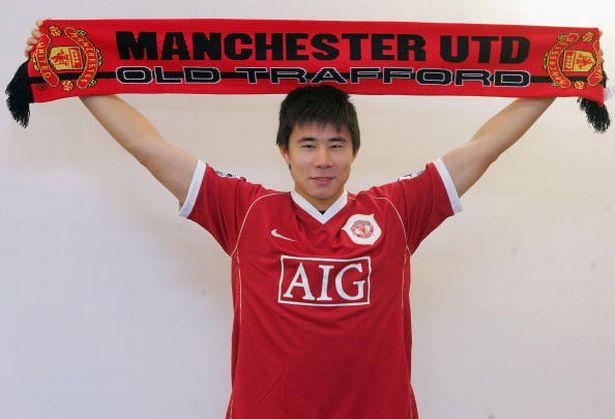 Cựu cầu thủ Man United phải phẫu thuật sửa khuôn mặt vì bị hắt hủi tại quê nhà Trung Quốc - Ảnh 1.