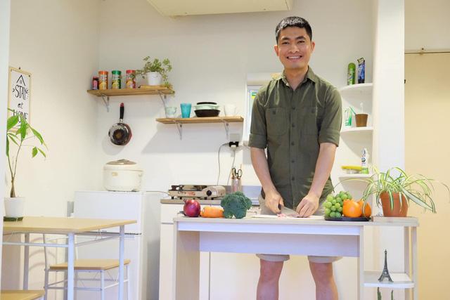 Chàng trai Việt mang di ảnh bố mẹ đi khắp nước Nhật lộ tài nấu nướng đẳng cấp: Đưa đồ ăn đơn giản lên '5 sao' - ảnh 12
