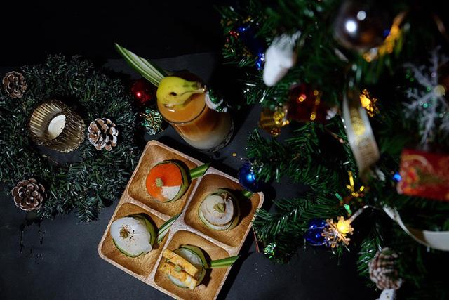 Chàng trai Việt mang di ảnh bố mẹ đi khắp nước Nhật lộ tài nấu nướng đẳng cấp: Đưa đồ ăn đơn giản lên '5 sao' - ảnh 13